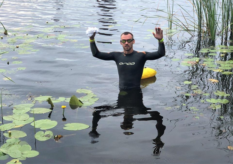 Украинец проплыл почти 1000 километров по загрязненному Днепру