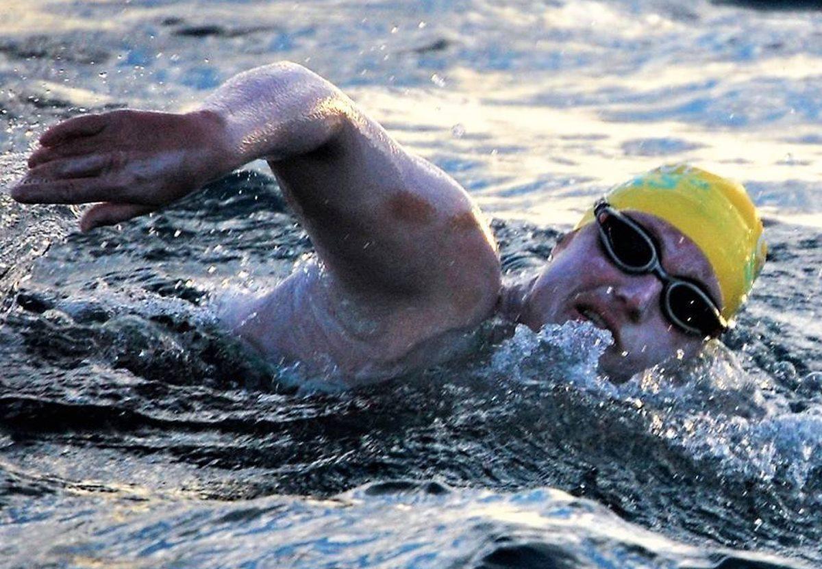 Американка четыре раза безостановочно переплыла Ла-Манш!