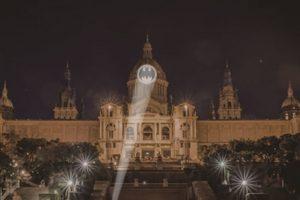 12 городов поздравят Бэтмена с 80-летием световым шоу