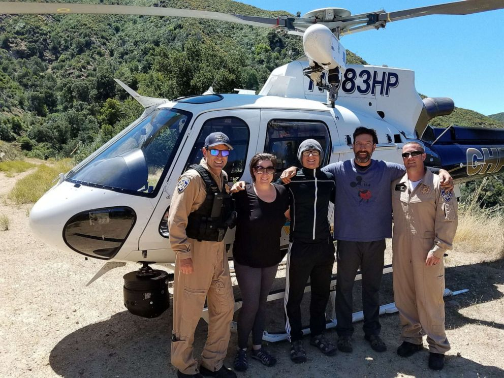 Бутылка спасла семью из ловушки водопада в Калифорнии