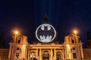 Мир отметил юбилей Бэтмена