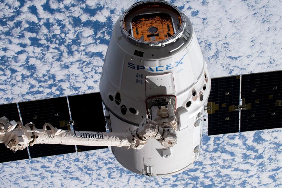 SpaceX показала спасательную систему пилотируемого корабля