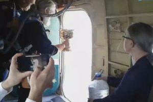 Жителей Твери освятили с самолета, чтобы  избавить от пьянства