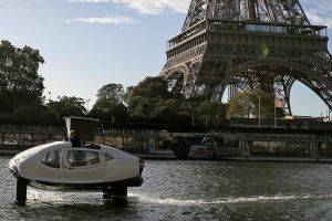 В Париже тестируют водное такси