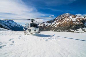 В горах Италии пару альпинистов еле уговорили спастись