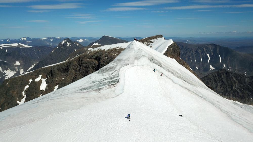 Высочайший горный пик Швеции теряет титул из-за глобального потепления