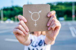 Япония впервые выдала вид на жительство трансгендерной женщине