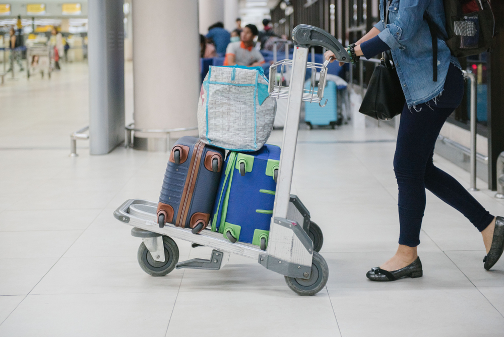 На Филиппинах американка пыталась пронести в самолет ребенка в багаже
