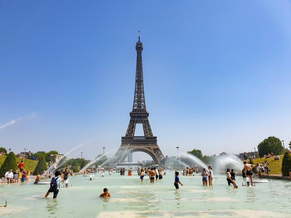 Во Франции адская жара унесла около 1500 жизней