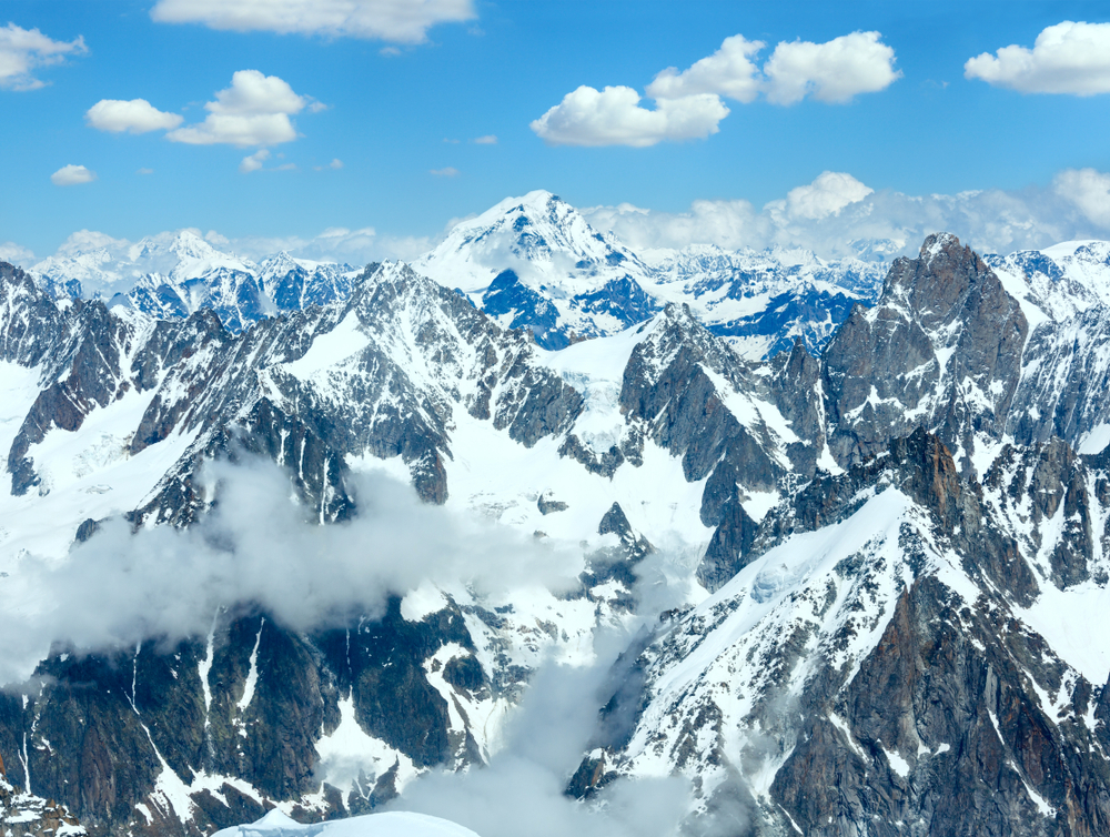 В Италии из-за таяния ледника на Монблане началась эвакуация