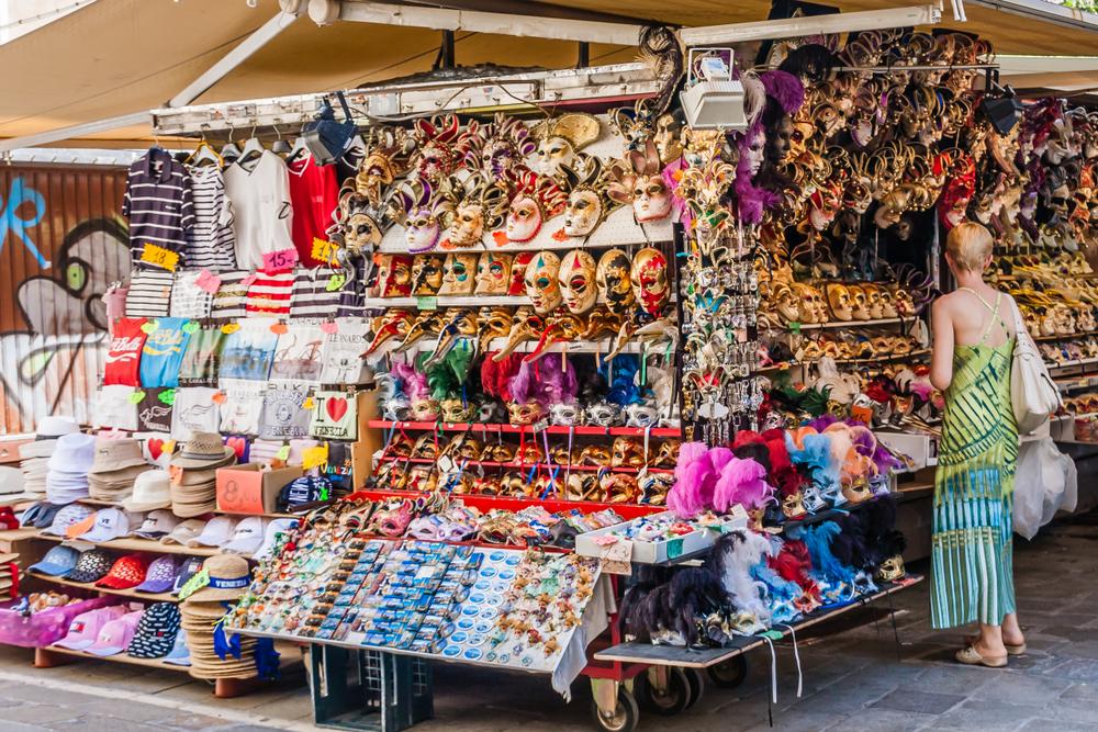 В центре Венеции запретят дешевые сувениры