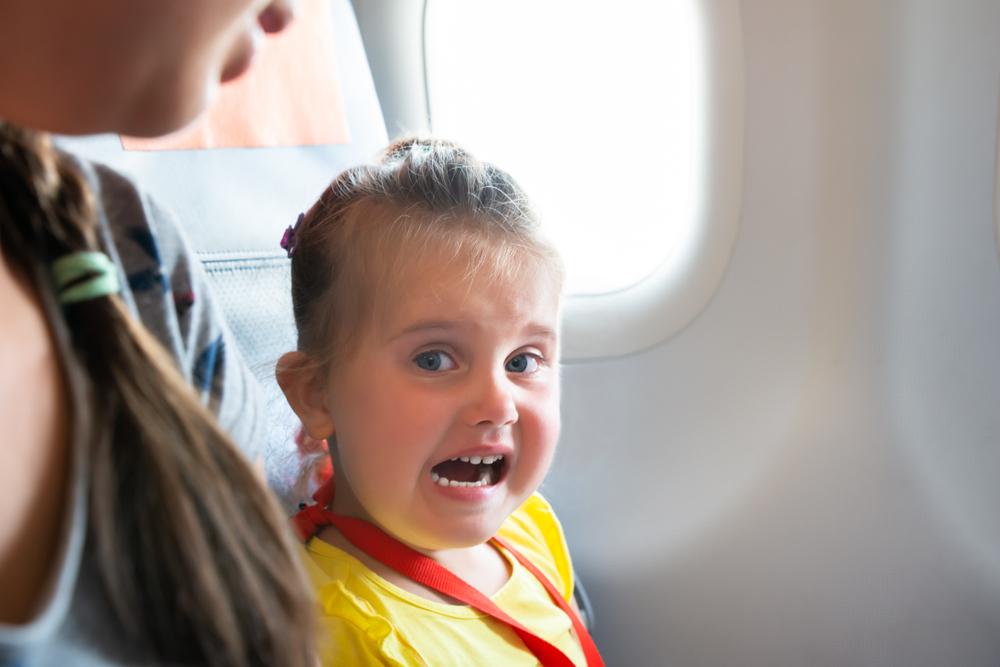 Японская авиакомпания избавит от соседства с кричащими детьми.Вокруг Света. Украина