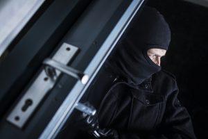 В Америке грабитель спасовал перед несчастным мужем