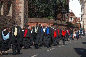 Обучение в Британии: студенты после диплома смогут остаться и найти работу