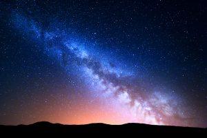 Загадочная черная дыра перебросила звезду через всю Галактику