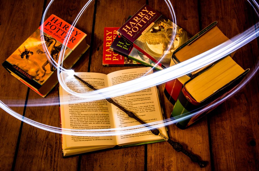 В американской школе запретили книги о Гарри Поттере из-за заклинаний.Вокруг Света. Украина