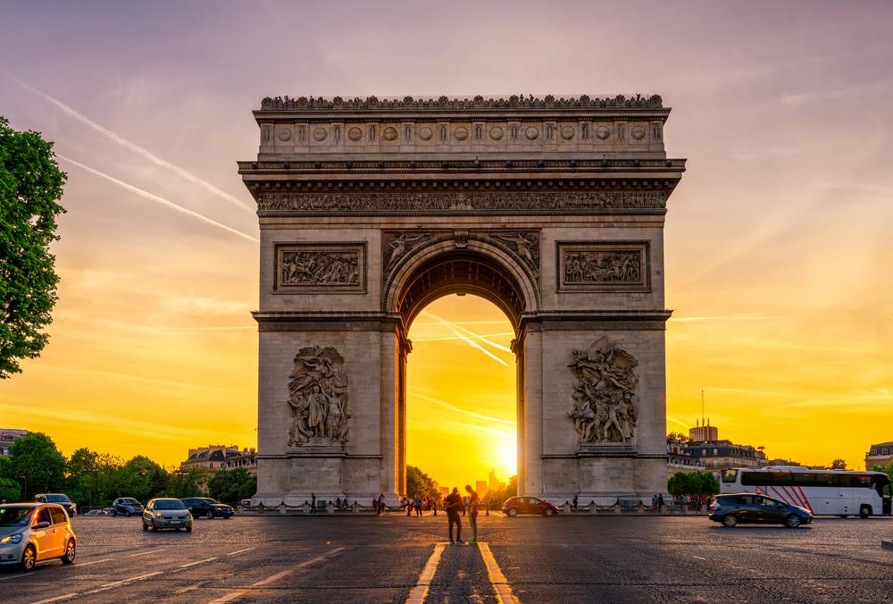 Впервые за 10 лет в Париже побывало больше туристов, чем в Лондоне.Вокруг Света. Украина