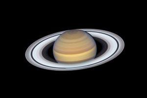 НАСА показало самое детальное изображение колец Сатурна