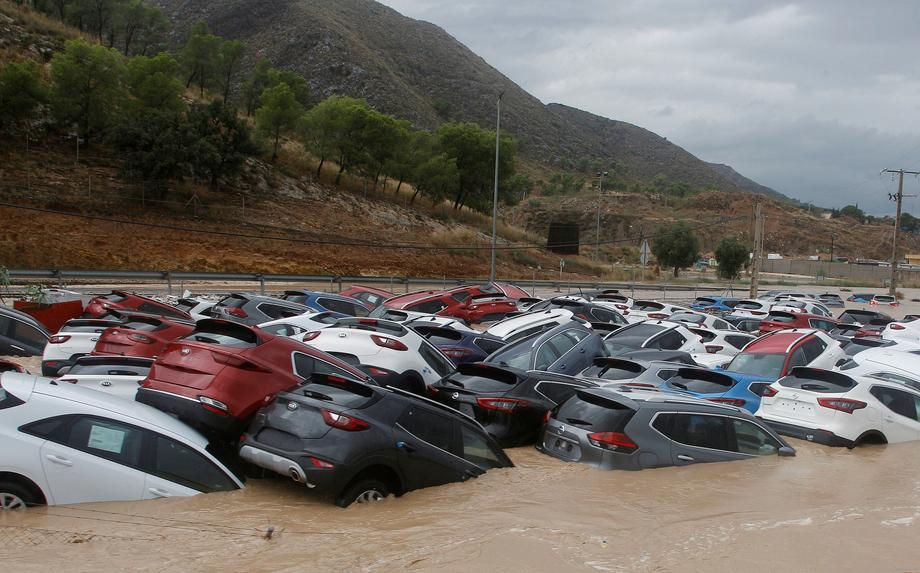 На курортах Испании прошли самые сильные дожди за 100 лет.Вокруг Света. Украина