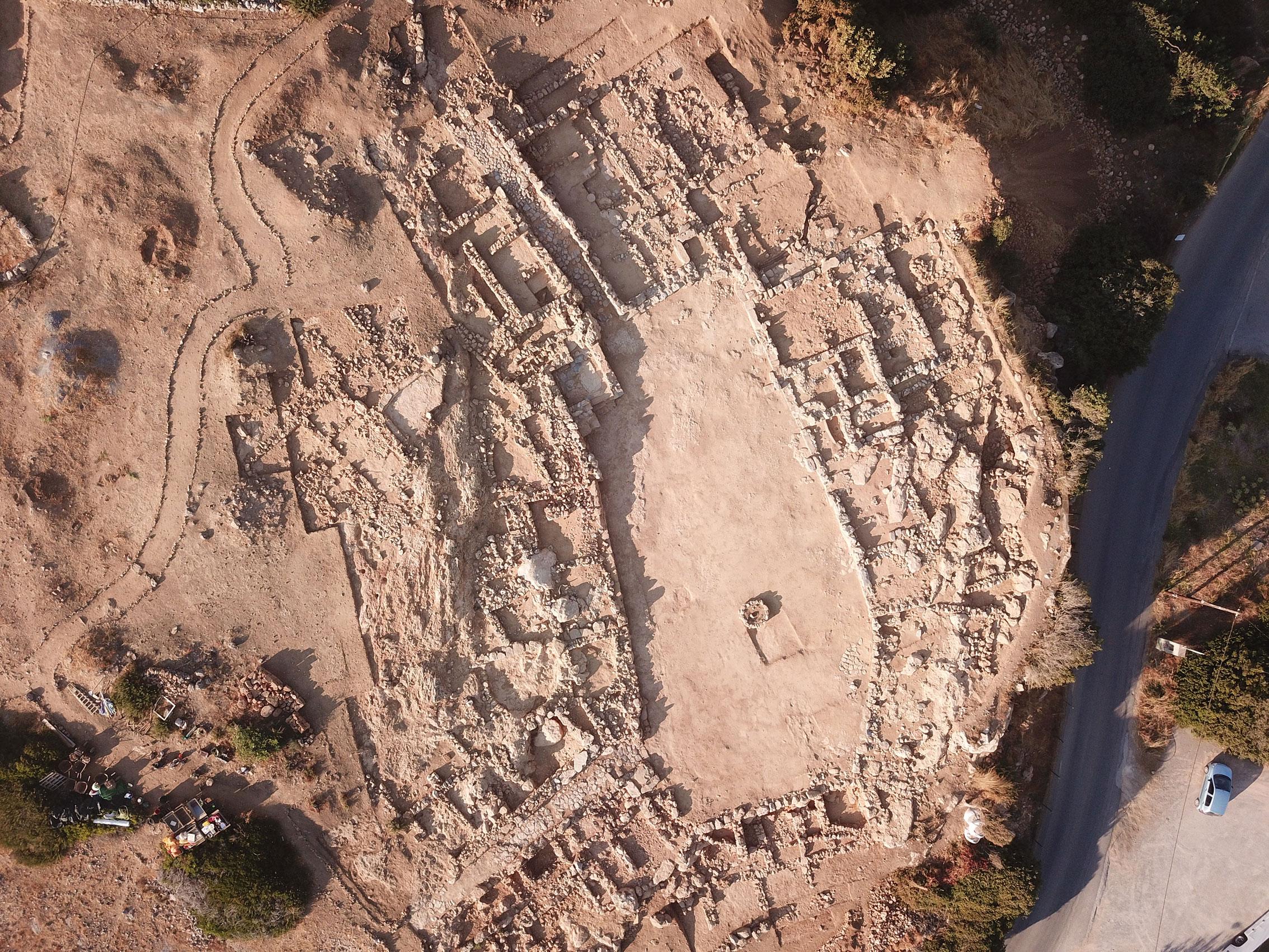 На Крите раскопали редкую гробницу минойской цивилизации