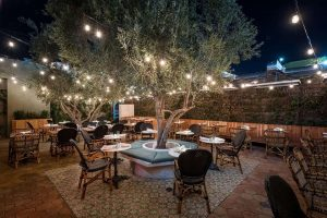 В США открылся первый ресторан, где каннабис курят в открытую