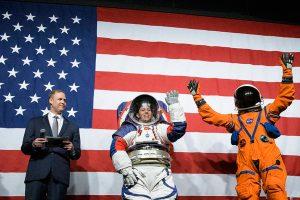 NASA представило новые скафандры для лунных миссий