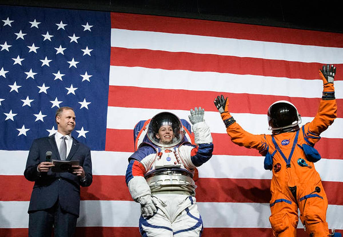 NASA представило новые скафандры для лунных миссий.Вокруг Света. Украина