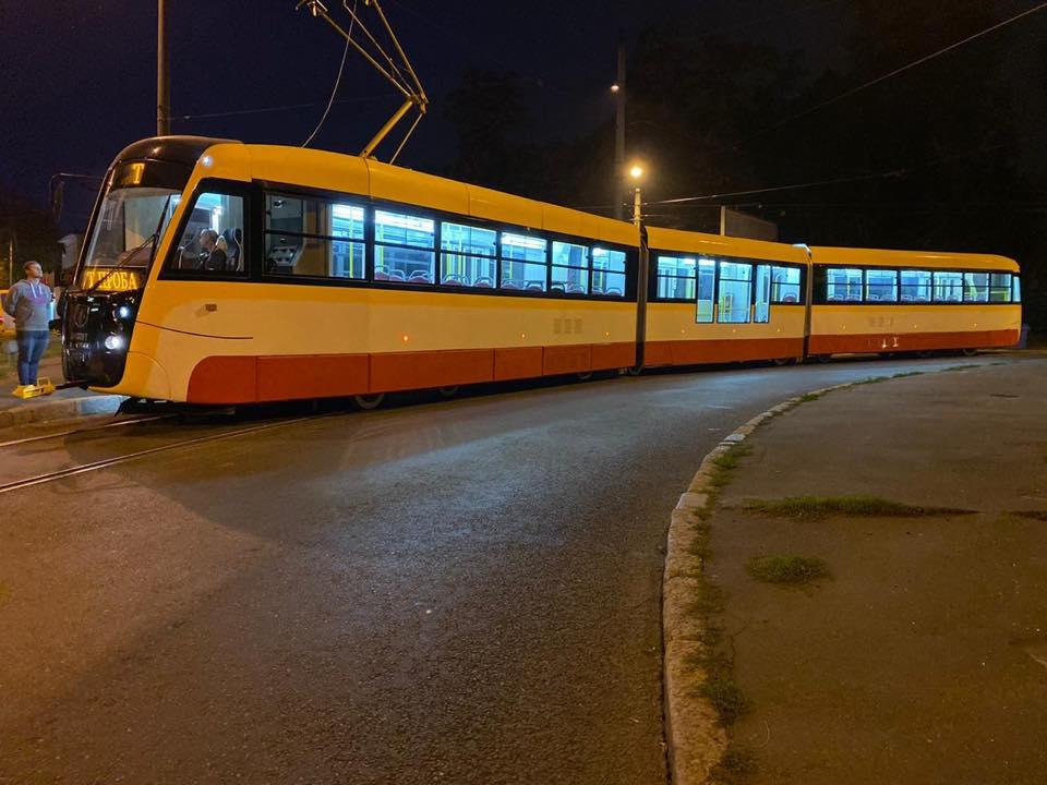В Одессе протестировали самый длинный трамвай в Украине