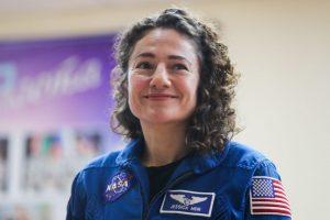 Женский экипаж NASA впервые вышел в открытый космос