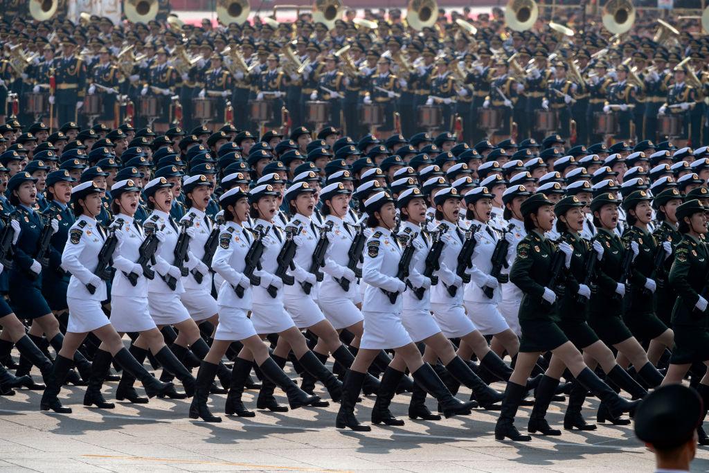 Китай провел крупнейший военный парад в истории