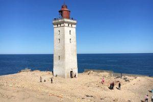 В Дании передвинули 120-летний  маяк, чтобы он не упал в море