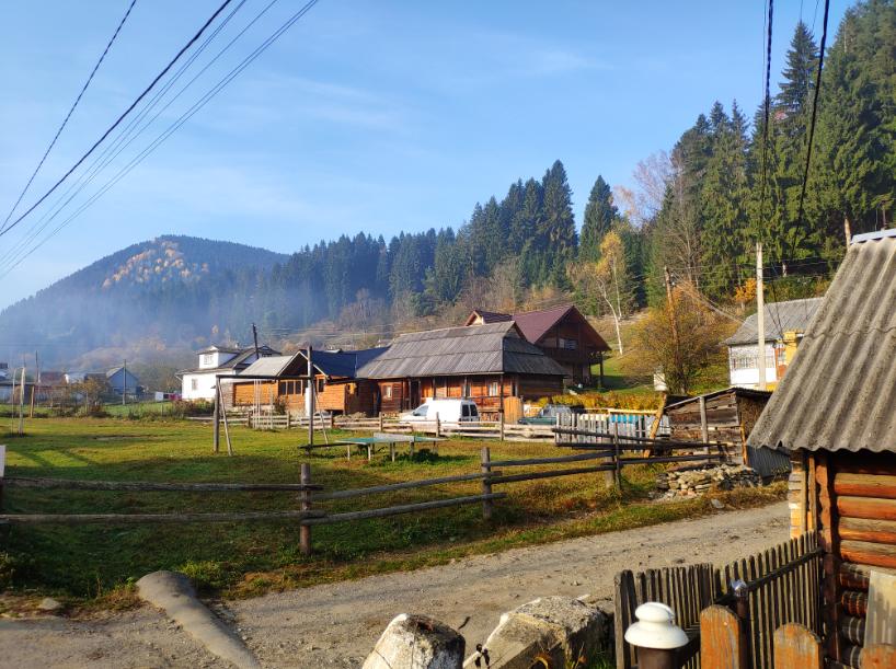 Карпаты осенью: как устроить корпоратив в горах по цене ужина в приличном ресторане.Вокруг Света. Украина