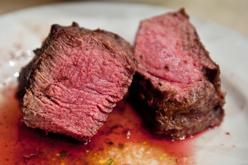 Красное мясо и колбаски вернутся на стол? – новое исследование опровергло их вред.Вокруг Света. Украина