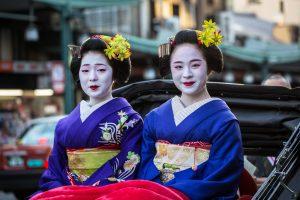 В Японии туристов будут штрафовать за докучание гейшам