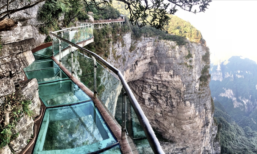 Китайская провинция закрыла все стеклянные мосты