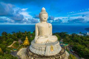 Негде ступить: названы самые переполненные туристами места в мире