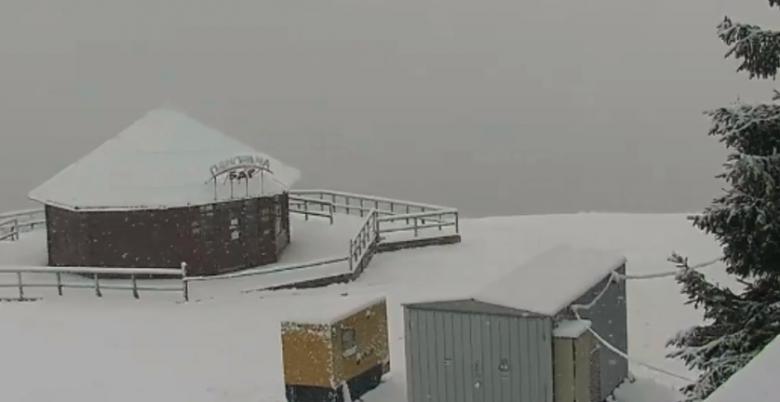 В Карпаты пришла зима: на курортах выпал снег.Вокруг Света. Украина