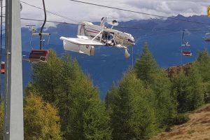 В Альпах самолет запутался в горнолыжном подъемнике