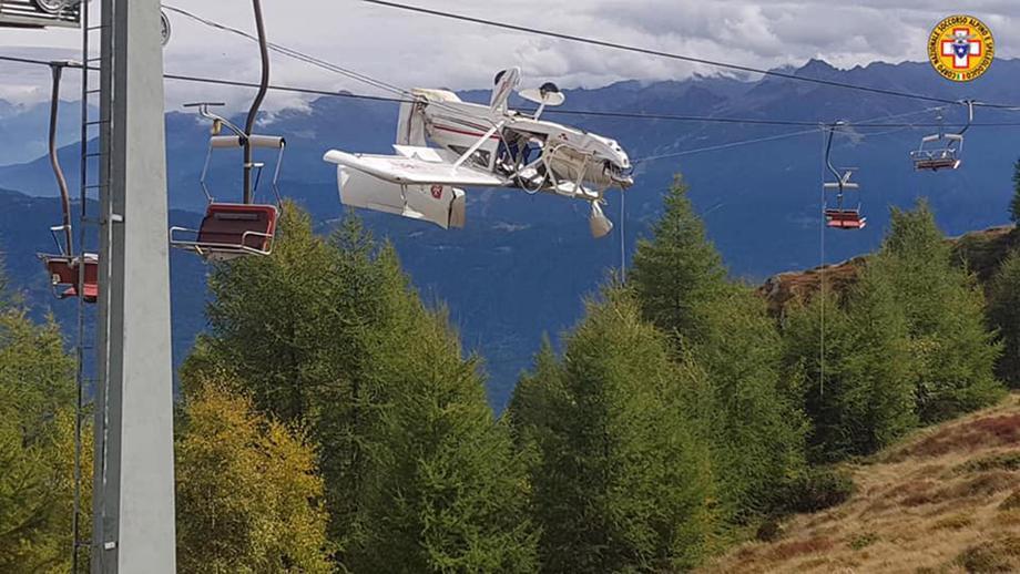В Альпах самолет запутался в горнолыжном подъемнике.Вокруг Света. Украина