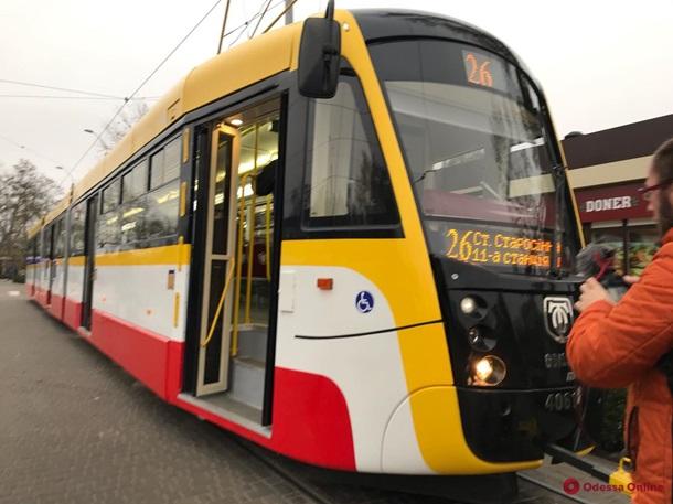В Одессе вышел на маршрут самый длинный трамвай в Украине