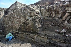 В Мексике раскопали секретный тоннель ацтеков
