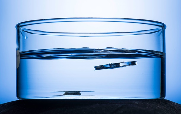 Американские физики  сделали металл непотопляемым.Вокруг Света. Украина