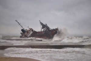 Кораблекрушение в Одессе: загрязнение воды возросло в 90 раз