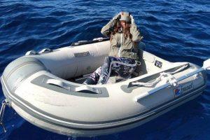 Потерявшаяся в море туристка выжила благодаря леденцам