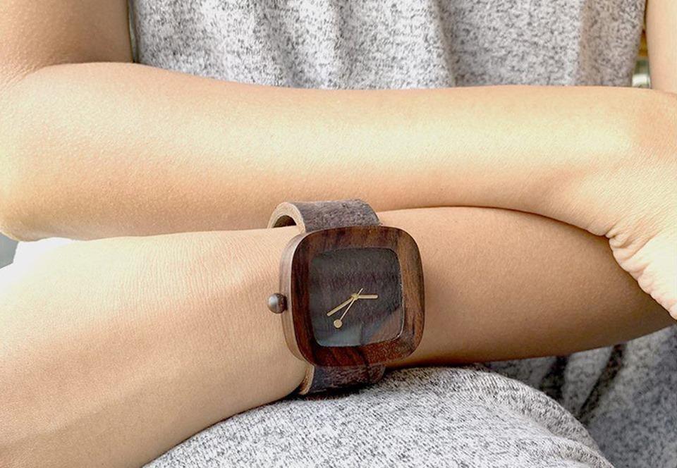 В Индонезии производят часы с ремешком из грибов