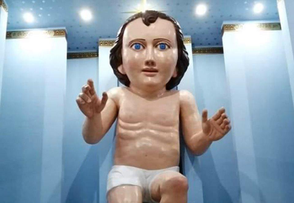 В Мексике создали огромную статую младенца Иисуса