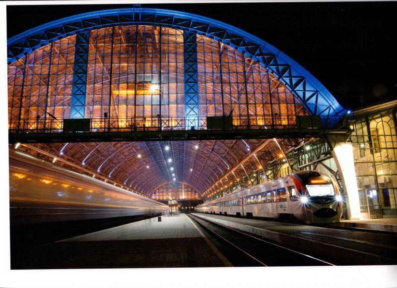 Укрзалізниця назначит 35 дополнительных поездов на Новый год