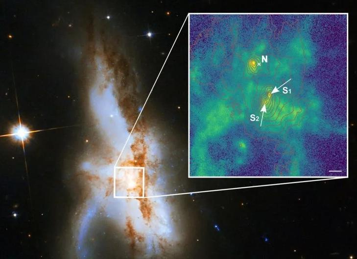 В центре одной галактики обнаружили сразу три сверхмассивные черные дыры