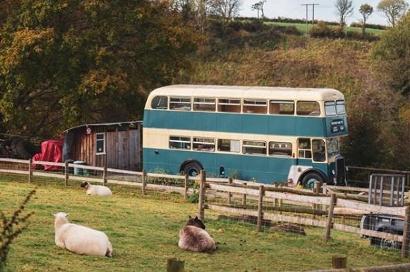 В Великобритании открылся отель в двухэтажном автобусе