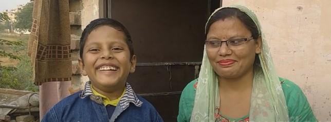 В Индии хвостатого мальчика признали божеством